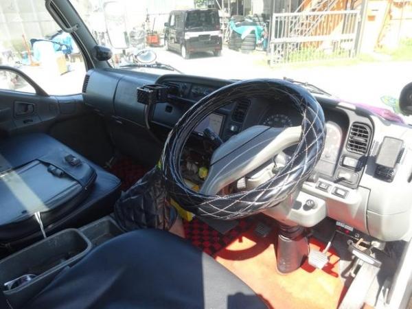 Mitsubishi Fuso Canter Long Mitsubishi Fuso Canter Long ( Tow Truck) 1999