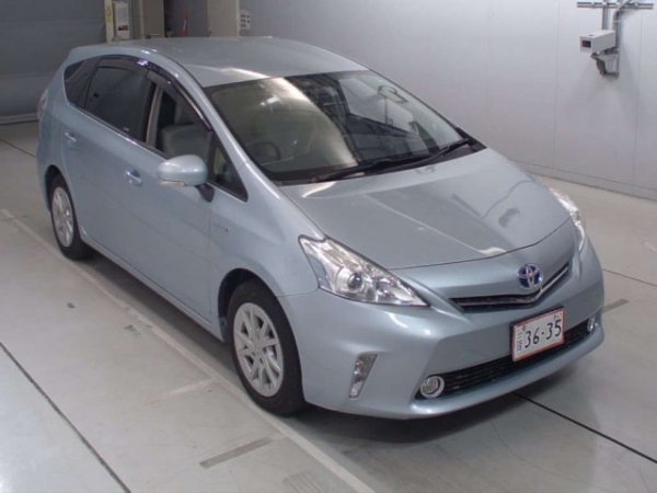 Toyota Prius Alpha S Touring Package 2014