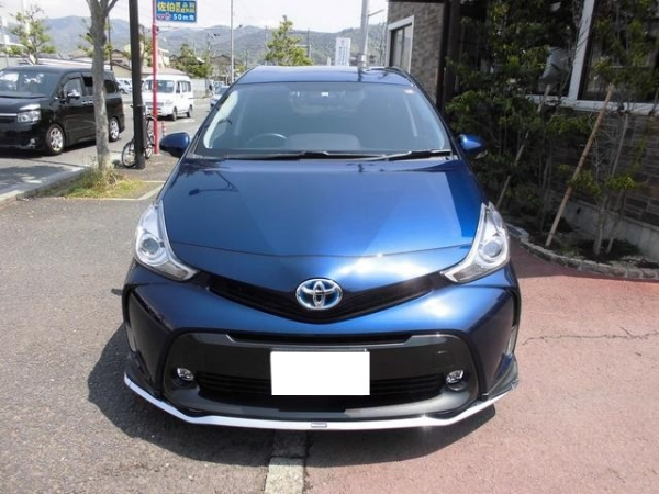 Toyota Prius Alpha S Package 2014