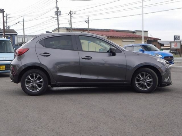 Mazda Demio 13S Touring L Package 2017