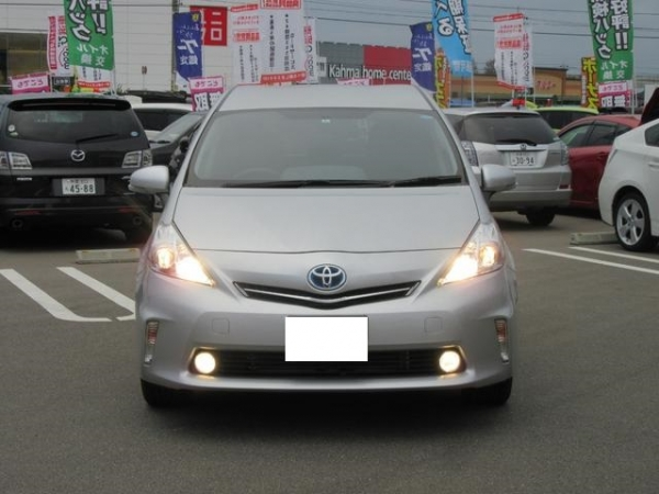 Toyota Prius Alpha G Touring Package 2014