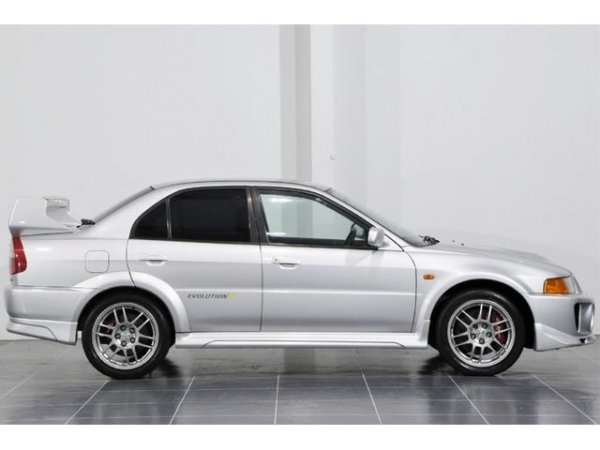 Mitsubishi Lancer GSR Evolution 5 AWD 4D 4WD Package 1998